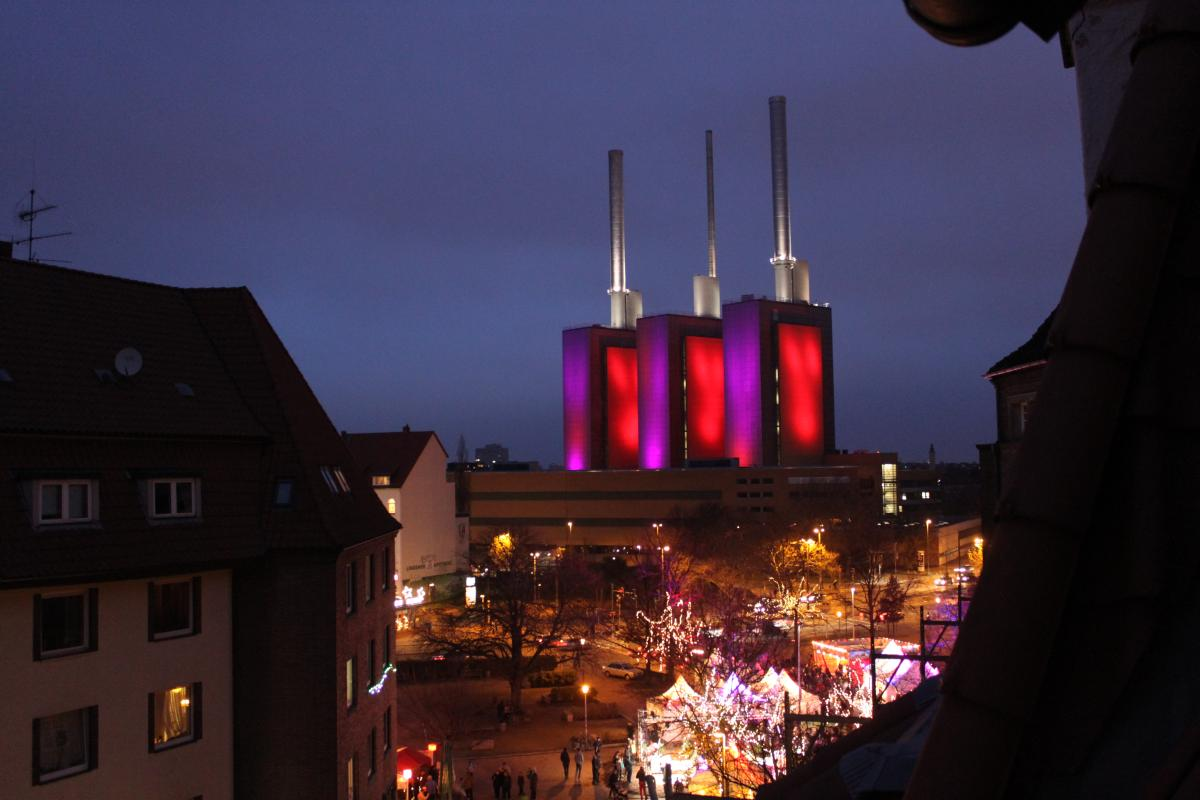 Weihnachtsmarkt In Linden Setzt Mit 899 Kerzen Das Startzeichen Fur